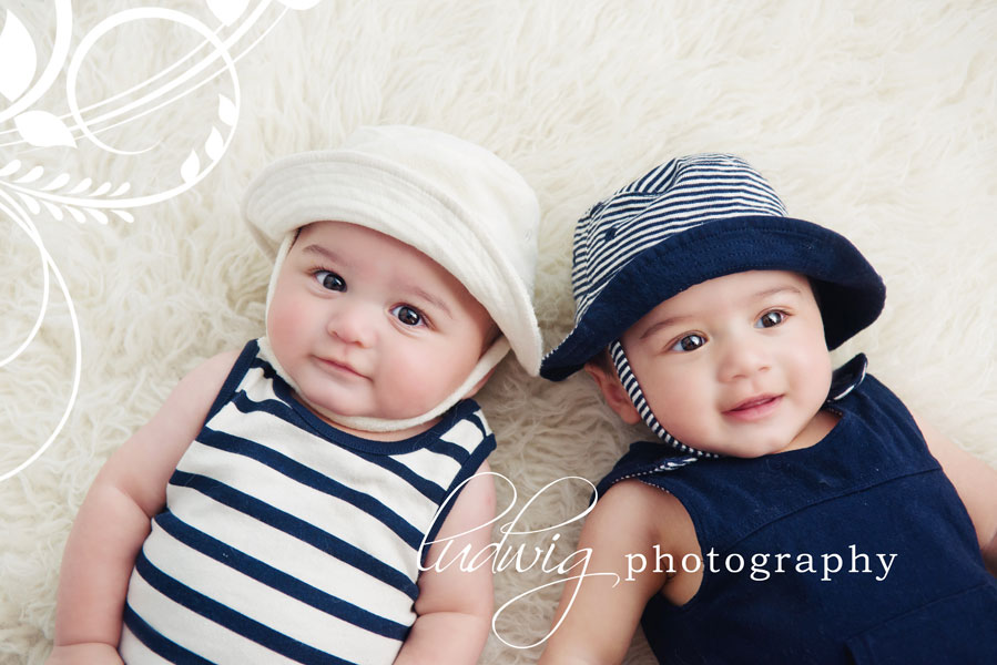 6 months twin baby photos